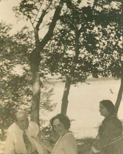 Con amigos a la orilla del rio