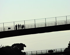 Silhouettes (mistymoon *R) Tags: bridge children silhouettes
