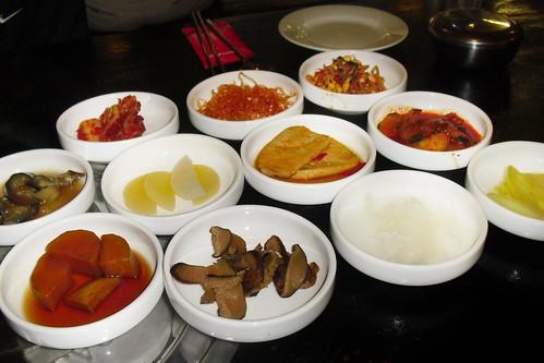 kim's family restaurant: banchan