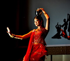 Fatin doing an Indian traditional dance. (Dato' Professor Dr. Jamaludin Mohaiadin) Tags: college photo university indian traditional culture malaysia prof kota damansara segi dato culturalnight fatin jamaludin mohaiadin