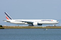 Air France Boeing 777-328/ER F-GZNI (pointnshoot) Tags: airfrance boeing777 canonef400mmf4doisusm fgzni