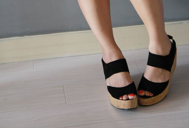 Union black wedges