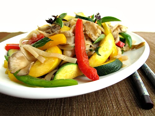 Gastronomer's Guide: Summer Vegetable Stir-Fry