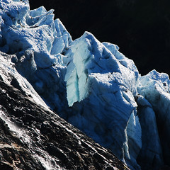 icy layers - Des Bossons Glacier, Mont Blanc (Asher H) Tags: desktop dru windows mountain alps les walking french rouge 50mm nikon lac des glacier climbing trail 18 chamonix mont blanc verte gr5 aguille bossons d80