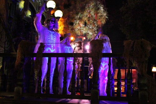 Hitchhiking Ghosts - Boo To You parade