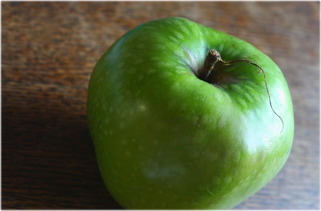 Der erste Apfel