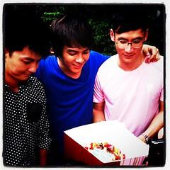 แฟนคลับมีเค้กมาเซอร์ไพร์สวันเกิด^=^#fb