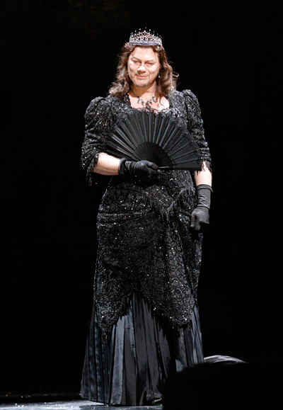 "René Pape as Méphistophélès in David McVicar's Faust. Royal Opera House 2010/11. <a href=""http://www.roh.org.uk/whatson/production.aspx?pid=16842"" rel=""nofollow"">www.roh.org.uk/whatson/production.aspx?pid=16842</a>  Photo by Catherine Ashmore"