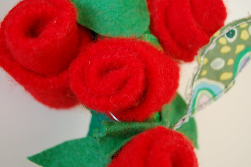 Recycled wool roses