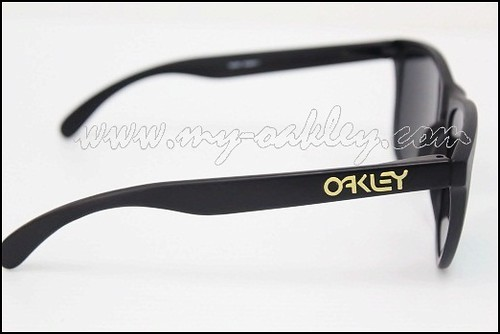 Frogskins with signature (4)