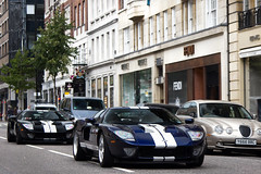 Two by Two. (Alex Penfold) Tags: auto street camera blue two white black london cars ford alex sports car sport mobile canon silver photography eos photo cool flickr image stripes duo awesome flash stripe picture super spot exotic photograph spotted hyper gt supercar spotting exotica sportscar sportscars supercars combo penfold sloane spotter 2011 hypercar 60d hypercars alexpenfold
