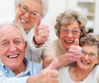Success - Older people giving thumbs up by Terra Nova Fondation