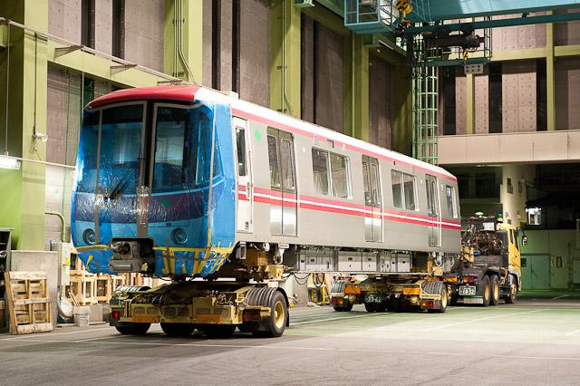 都営地下鉄大江戸線12-600形12-618号車 陸送