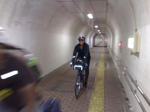 信夫山歩行者トンネルが ...