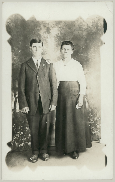 20110910 couple in studio RPPC