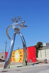 The Traveling Man (WarEagle8608) Tags: city urban sculpture streetart statue robot dallas downtown texas tx deep publicart dart deepellum ellum dallastx dallastexas travelingman eoskissx4 canoneos550d eos550d canoneosrebelt2i rebelt2i canoneoskissx4 eosrebelt2i robotstatue deepellumgateway