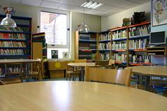 La biblioteca por dentro. Zona infantil reforzada