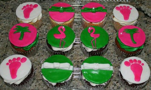 Lilly Pulitzer inspired Flamingo Baby Shower Cupcakes!