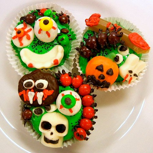 icky halloween cupcakes