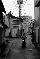 A day in Karatsu () (AluminumStudios) Tags: street bw film japan  karatsu acros     fbw06711