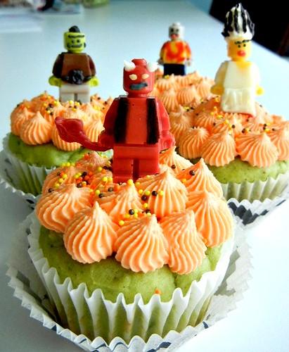 halloween lego minifig cupcakes