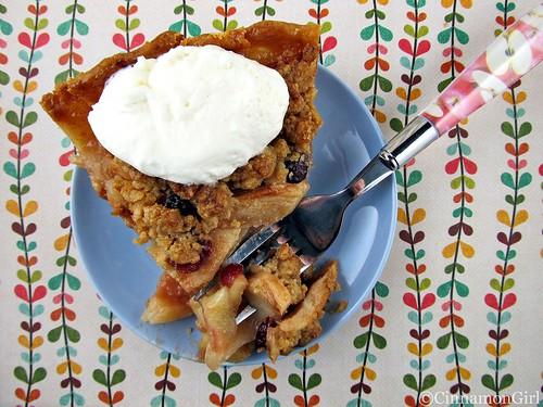 Apple Crumb Pie with Cranberries