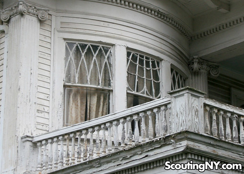 Haunted House (13)