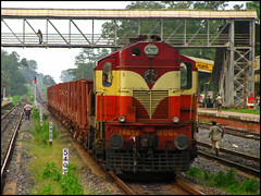 VSKP WDG-3A (Ankit Bharaj) Tags: india electric train canon photography fan is mail diesel indian engine rail rake locomotive 100 express railways coaches wagons freighter sx alco railfanning orrisa irfca bobyn sambalpur vskp wdg3a jharsuguda vishakhapattnam rengali