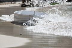 Imperturbabile (Sara Villa) Tags: travel summer sun art beach nature water canon mare estate cielo pace acqua colori riflessi spiaggia onde orizzonte