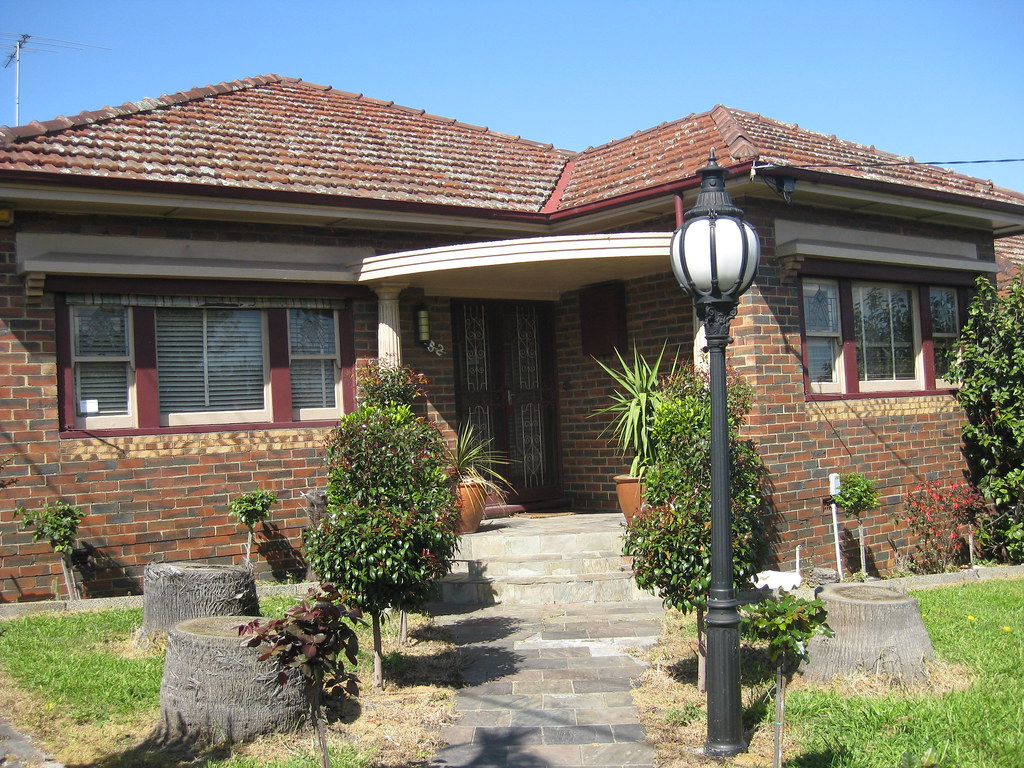 A Metroland Art Deco Villa in Red and Brown Bricks - Coonans Hill