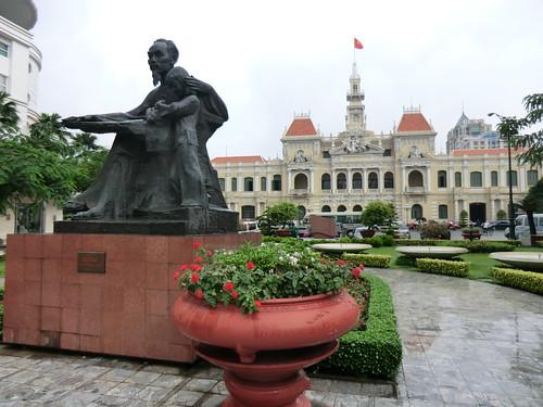 ホーチミン像 @ Ho Chi Minh city