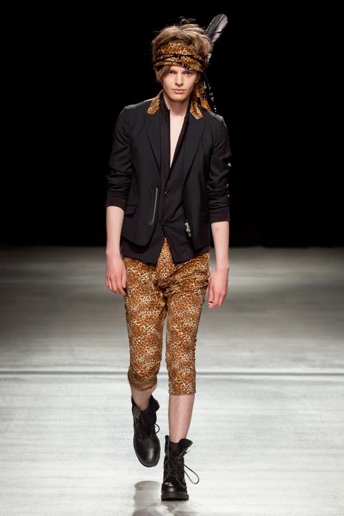 SS12 Tokyo HEADL_INER041_Zdenek Zaboj(Fashion Press)