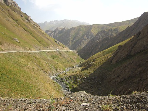 The road down to Kalaikhum