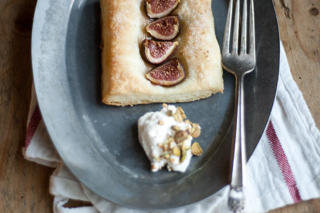6145934773 25a9ef2391 z Easy Fig Tarts & News!