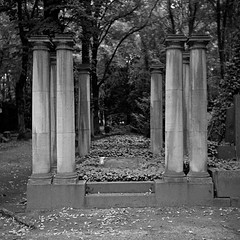 the place of frozen time (thomas graichen) Tags: berlin cemetery frozen place time jewish weissensee hapo