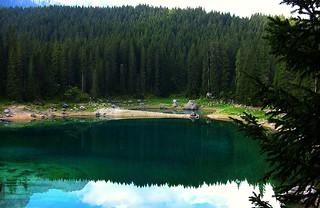 Dolomiten , Der Karersee , Lago di Carezza  , sagenumwoben  -  151/684