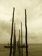Texel diaries (6) (henk hessel photography) Tags: beach sepia clouds boat pattern jetty explore thedutchshallows