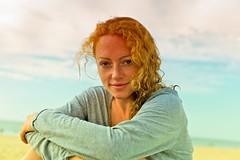red-haired girl (Winfried Veil) Tags: leica woman girl smile 50mm veil curls rangefinder freckles frau summilux asph mädchen winfried lächeln m9 redhaired 2011 sommersprossen locken rothaarig messsucher mobilew leicam9 winfriedveil