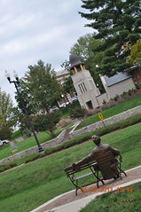 Abraham Lincon statue front of WKU Library/Museum (King Kong 911) Tags: art history statue museum buildings campus cabin map near kentucky ky displays marker abrahamlincoln wku bowlinggreenky