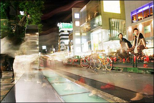 Tokyo (by: Trevor Haldenby, creative commons license)