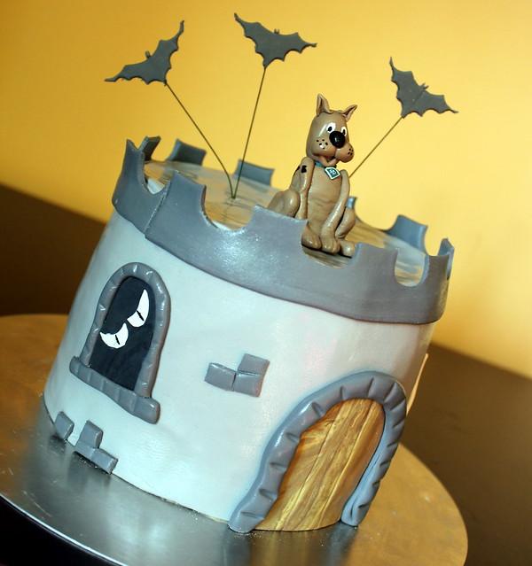 Scooby Doo Spooky Cake
