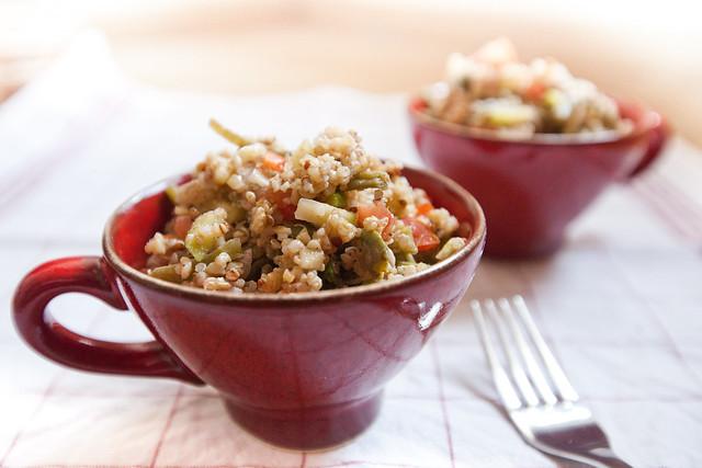 Salade quinoa aux légumes d été