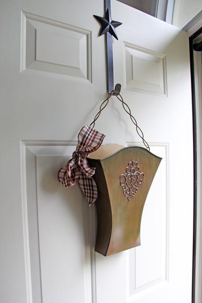 willow house door bucket