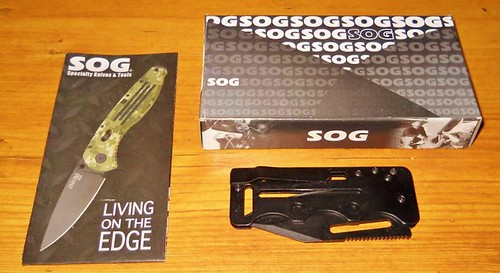 "SOG Access Card 2.0 (Tactical Black) 2.75"" VG10 Steel Blade"