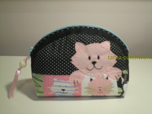 Mini Necessaire Gatinha Rosa by tania patchwork