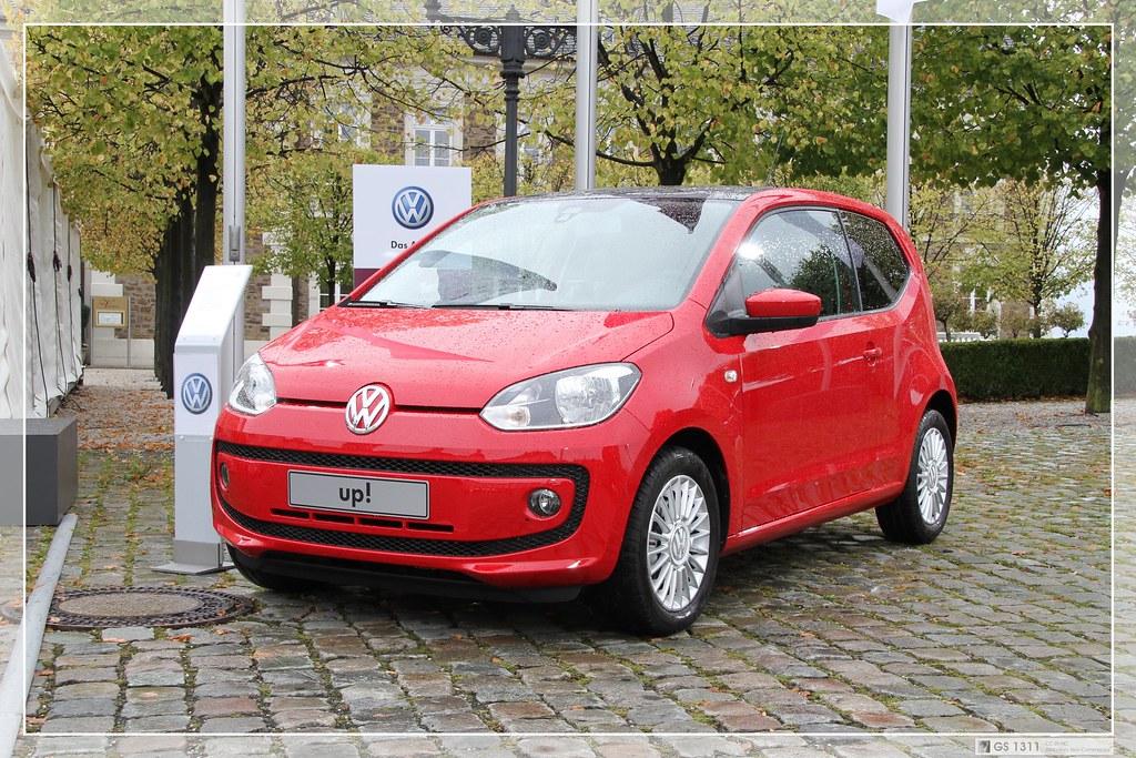 2011 Volkswagen up! (02)