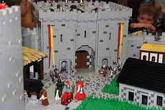 Haradford Castle under seige, day 1 (peggyjdb) Tags: castle lego attack hoarding knights earl defend seige barabarians pilliage