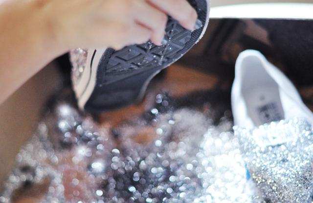 Glitter Sneaker DIY - 8