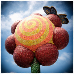 Lollipop (Rick Insane Diego...) Tags: colorful embarcadero nik cep urbantree colorefexpro