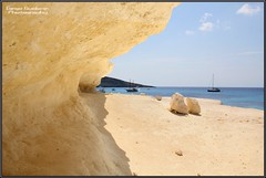 Onda anomala   (Lampedusa) (DiegoGuidone) Tags: pictures desktop light sea italy panorama art beach colors canon landscape geotagged eos photo nice barca italia mare foto good cove picture sigma diego playa natura belle wallpapers fotografia roccia per azzurro colori spiaggia dei cala conigli isola lampedusa onda sfondo sfondi tema photografy scoglio photocard 18250 550d anomala guidone